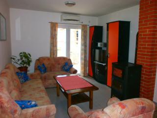 Mario Apartment A in Tisno