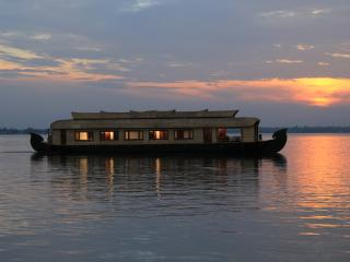 Elite Houseboat - 4 Bedroom, Alappuzha