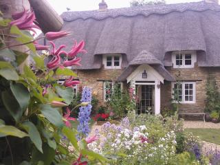 Little Thatch - Thatched Rutland Luxury Holiday Cottage, Uppingham