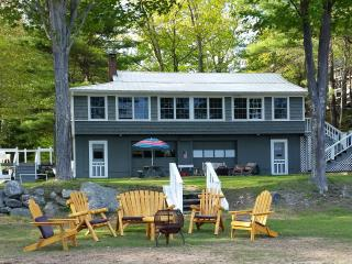 Wonderfully Appointed Beach House, Sebago