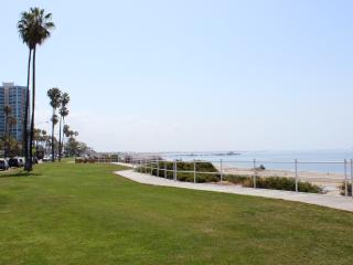 Luxurious Guest Beach House!, Long Beach