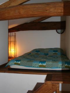 chambre n°2 côté terrasse avec lit 140,