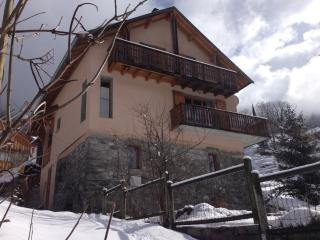 Stay at Chalet3Valleys in winter