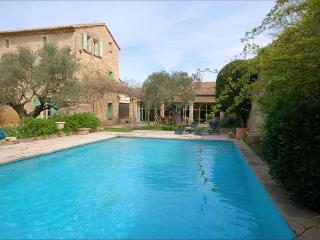 Lovely Open Plan Restored Village House Near Uzès, Sleeps 9;       7034, Castillon-du-Gard