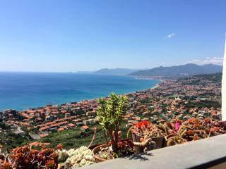Stunning flat in the Italian Riviera, Borgio Verezzi