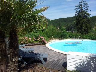 les grenels ancien pigeonnier avec piscine privée