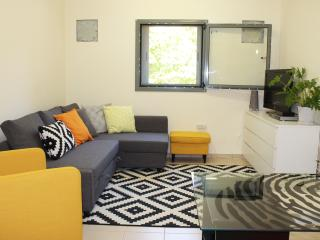 Studio apartment lovely garden near Tel Aviv, Herzliya