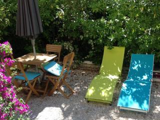 CASSIS - Appartement avec jardin et parking, Cassis