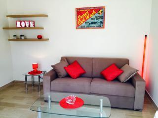 Studio neuf, terrasse, CLIM, WIFI