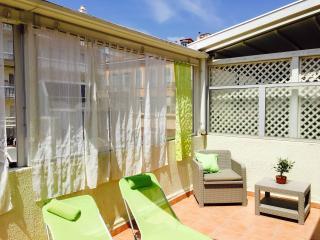 Studio neuf, terrasse, CLIM, WIFI, Nice