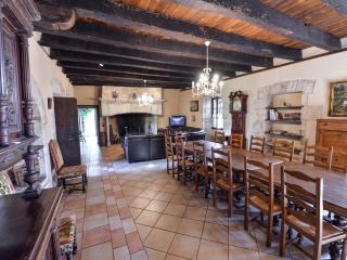Le Castellou gite - Living room