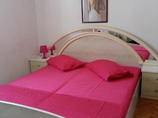 Best choice apartment in centre for 2, Island of Vis