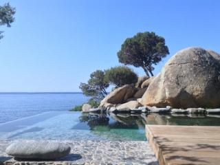 Beachfront Villa/infinity pool in South Sardinia, Geremeas