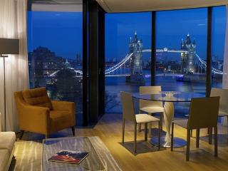 Luxury Apartments Overlooking The Tower of London