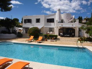 BEAUTIFUL CHARMING VILLA 10 mins WALK FROM MORAIRA