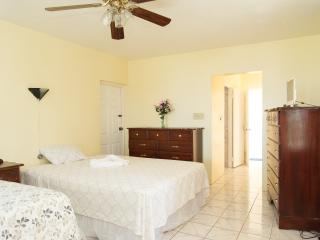 Villa Donna Relax Suite, Ironshore