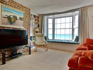 Seafront luxury house with stunning views in Deal