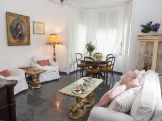 LUXURY APARTMENT IN CENTRAL ROME ' PARK VILLA TORLONIA'