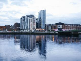 Luxury 3 Bedroom City Penthouse with River View, Limerick