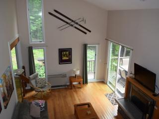 Waterville Valley; Spacious Summer & Ski House, Campton