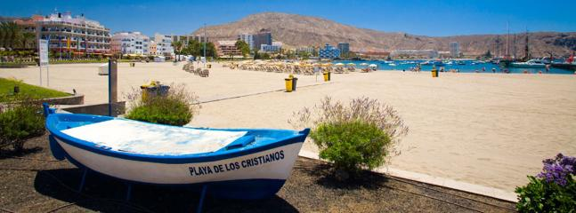 Beautiful CLEAN white sandy beach in Los Cristianos 10-15 mis walk away Taxi 3.5 euros to us...