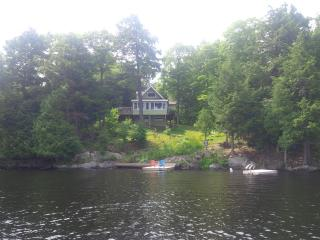 Beautiful Lake Manitouwabing Cottage in Mckellar, McKellar