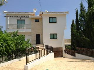 Villa Karessa, Protaras