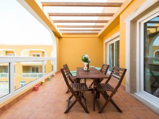 Great apt w 2 terrace and Pool in El Cotillo beach