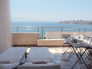 Seafront Apartment, Sarande