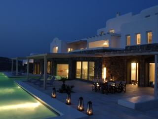 VILLABEAT  |  Elea Estate, Mykonos Town