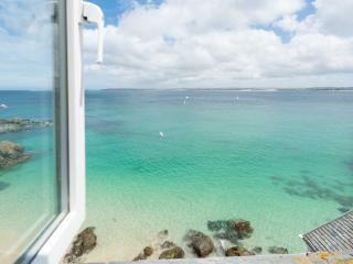 3a Sea View Place, St Ives