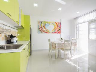 Cute Townhouse Near Beach, Hua Hin
