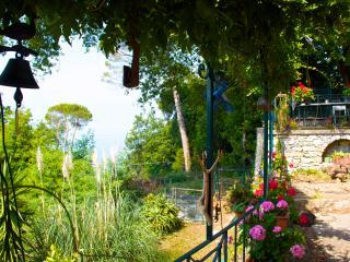 Casa ligure indipendente nel verde sopra a Camogli