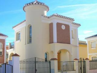 Detached villa with private pool, 2 bedrooms, Nerja