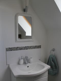 Les Arbres Shower Room