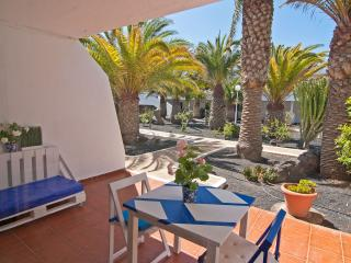 Lovely beachside apartment - all walking distance, Puerto Del Carmen