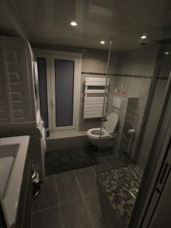 1ère salle de bain (suite)