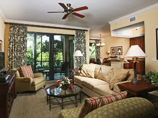 Condo in Naples Bay Resort - Close to 5th Ave