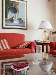 Living room sqm 45 -2armchairs-2couches, 43'' Pioneer/Plasma TV Sat + DVD-CD- HiFi-diffusi