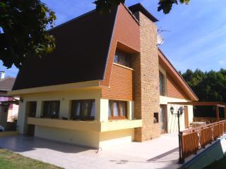 villa de charme avec jardin d'agrément, Aumetz