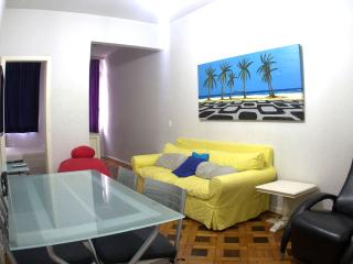 Beautiful 2 bedroom apartment. Great location in the best part of Ipanema! Cod: 2-101, Itanhanga