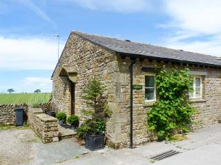 ASHBANK COTTAGE, romantic, character holiday cottage, with woodburning stove in