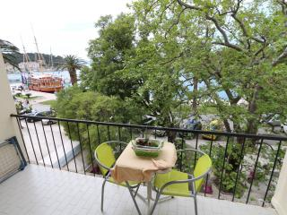 Makarska Apartment Sleeps 5 - 5829009