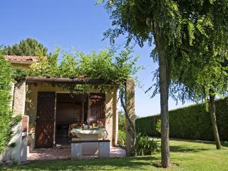Minivilla 'dracena' au calme, avec son jolie jardin a 5min des plages