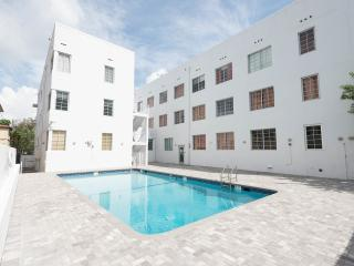 THE BEST CHOICE - RENOVATED SOUTH BEACH - POOL / S, Miami Beach