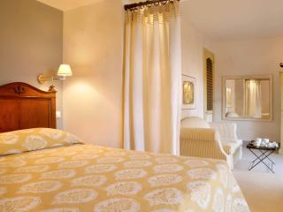 Le CONVIVIAL Luxury Suites & Spa, Xylokastro