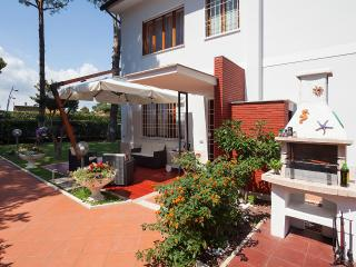 Villa Viola WIFI 300m from the sea -Terracina
