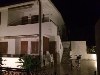 splendida villa al mare cropani