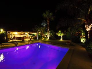 Villa Palme Alcamo Marina Pool with chromotherapy.