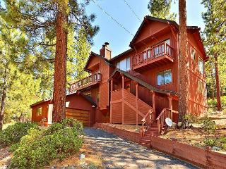 4BR Wooded South Lake Tahoe House,  Views, Sleeps 8